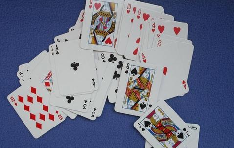 Mini speelkaarten gedrukt naar eigen ontwerp (38 x 51 mm) image