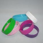 Brede siliconen armbandjes (19 mm), compleet naar wens image